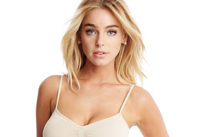 Elizabeth Turner 2019 Wallpaper