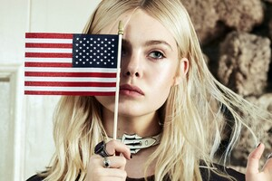 Elle Fanning Celebrity Wallpaper