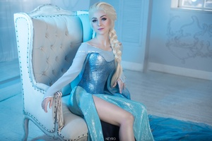 Elsa Cosplay Wallpaper