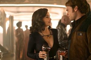 Emilia Clarke And Alden Ehrenreich In Solo A Star Wars Story