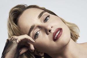 Emilia Clarke Dolce And Gabbana Photoshoot 2019 Wallpaper