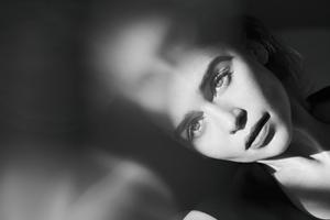 Emilia Clarke Harpers Bazaar Russia Photoshoot 4k Wallpaper