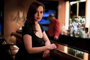 Emilia Clarke Sexy Wallpaper