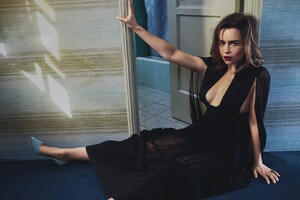 Emilia Clarke Vogue 2016 Wallpaper