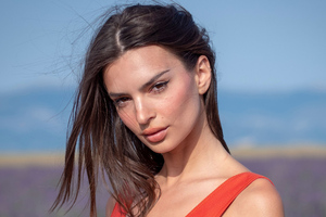 Emily Ratajkowski 2019 Latest Wallpaper