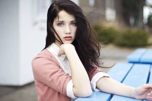 Emily Rudd Blue Eyes 5k Wallpaper
