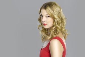 Emily Vancamp Celebrity