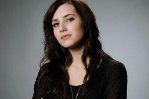 Emma Roberts Actress Wallpaper