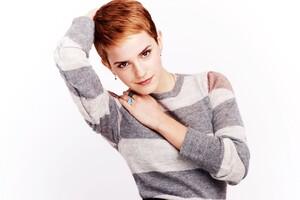 Emma Watson 8 Wallpaper