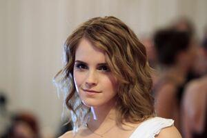 Emma Watson Cute Wallpaper