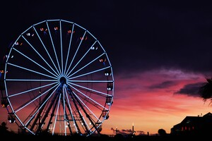 Ferris Wheel Sunset Clouds 5k