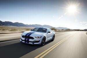 Ford Mustang Shelby GT500 2 Wallpaper