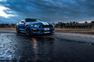 Ford Mustang Shelby Gt500 River Wallpaper