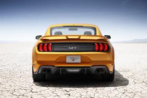 Ford Mustang V8 GT 2018 8K Wallpaper