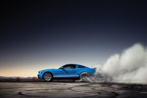 Ford Shelby Burnout