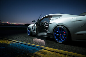 Ford Shelby GT350 Inside Wallpaper
