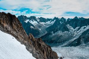 Frozen Ice Mountains