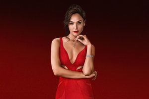 Gal Gadot As The Bishop In Red Notice Wallpaper