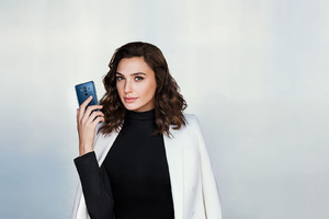 Gal Gadot Huawei Mate 10 Pro
