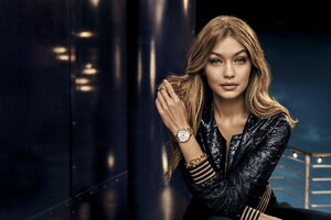 Gigi Hadid 5 Wallpaper