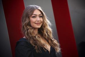 Gigi Hadid At Oceans 8 Premiere 4k