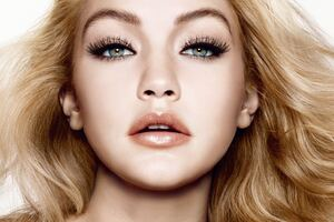 Gigi Hadid Eyes Wallpaper