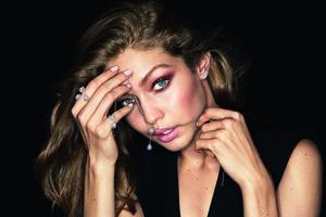 Gigi Hadid People Magazine 8k