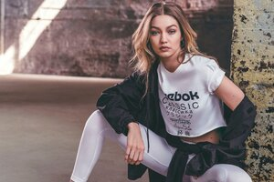 Gigi Hadid Reebok 2019 New
