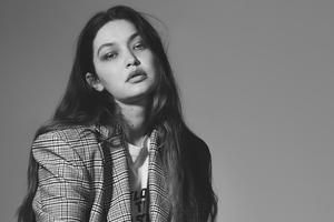 Gigi Hadid Us Harpers Monochrome 4k Wallpaper