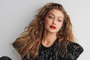 Gigi Hadid Vogue Germany 2019 Wallpaper