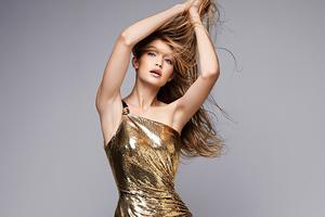 Gigi Hadid Vogue Germany 2020 Wallpaper