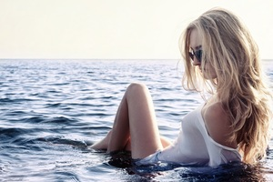 Girl Beach Sky Glasses Blonde Wallpaper