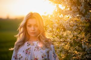Girl Bokeh Sunbeams 5k Wallpaper