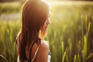 Girl Field Sunlight Wallpaper