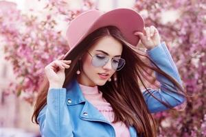 Girl Hat 5k Wallpaper
