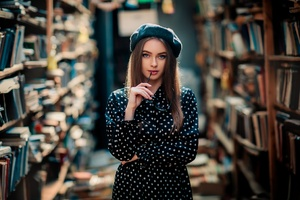Girl In Library Photography Wallpaper