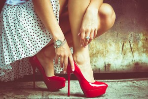 Girl Legs Red Heels Wallpaper