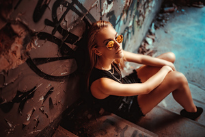 Girl Sunglasses Sitting At Stairs 4k Wallpaper