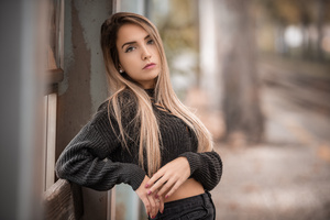 Girl Sweater Pose Hands 4k Wallpaper