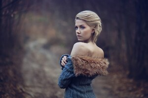 Girl Wearing Fur Coat Wallpaper