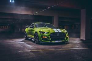 Green Ford Mustang Shelby GT500