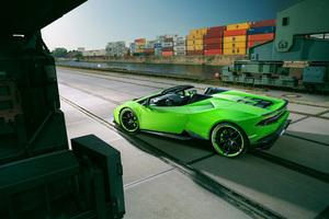 Green Lamborghini Huracan 4k