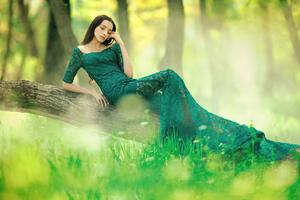 Green Long Dress 4k Wallpaper
