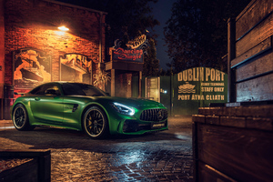 Green Mercedes AMG GT R Front