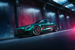 Green Mercedes Benz Amg GT