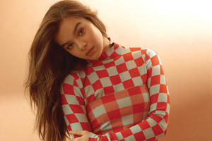 Hailee Steinfeld Boston Common 2021 Wallpaper