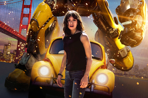 Hailee Steinfeld In Bumblebee Movie 2018 Poster Wallpaper