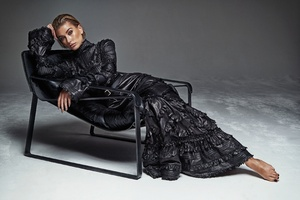 Hailey Baldwin Pose Dress Chair 4k Wallpaper