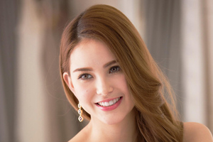 Hannah Quinlivan Wallpaper