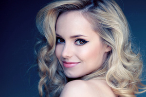 Hannah Tointon Model